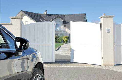 Les portails PVC, bois ou alu